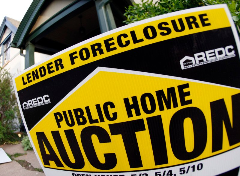 Foreclosure Auction Sign
